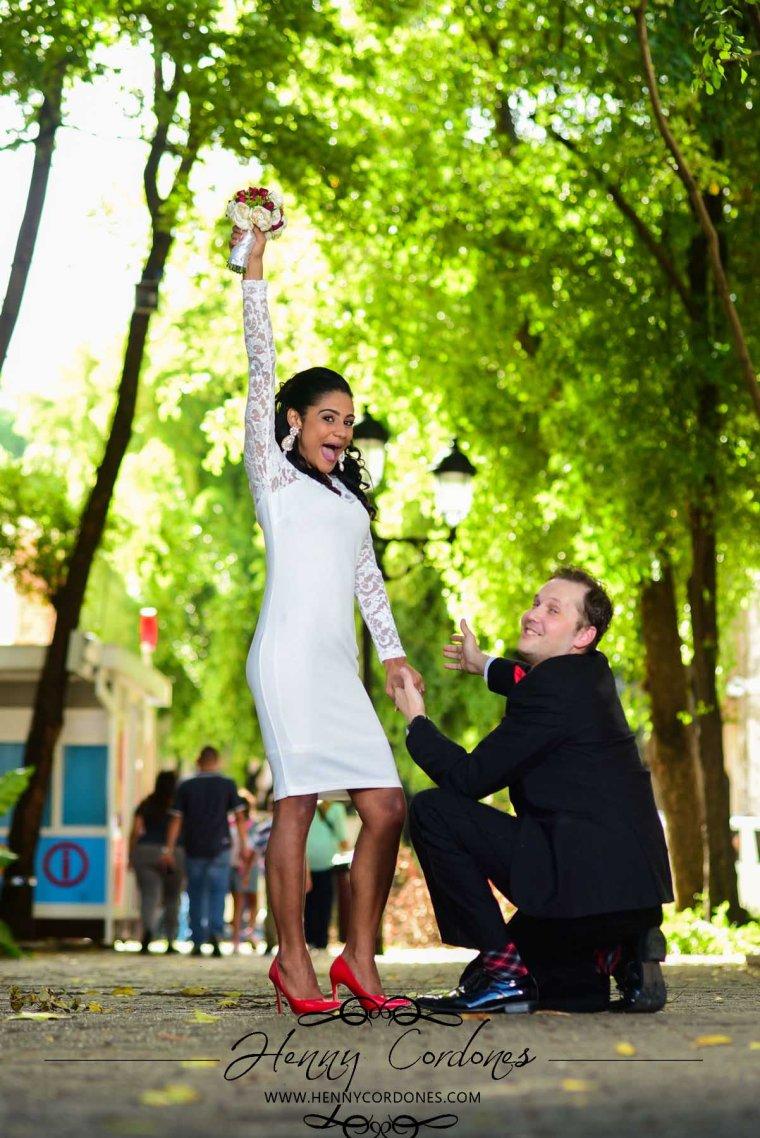 fotografo-para-bodas-fotografo-santo-domingo-republica-dominicana-sesion-de-fotos-boda-lugares-henny-cordones-preboda-zona-colonial-mejor-fotografo-fotografica-ideas-poses-vestidos-de-15
